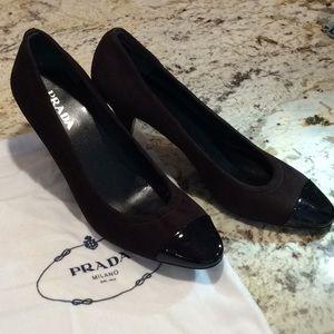 PRADA brown suede w black patent toe pumps.